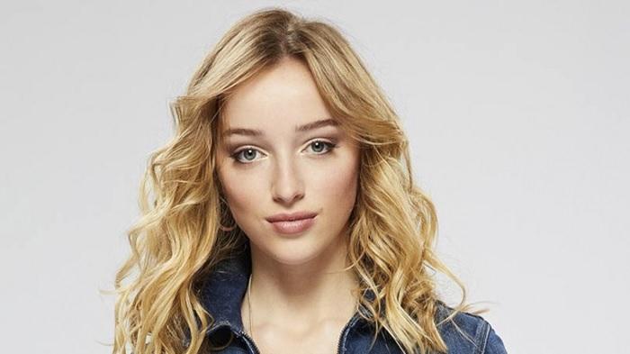 Phoebe-Dynevor